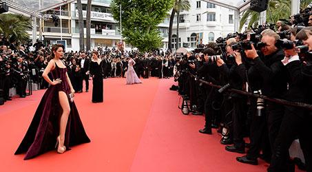 Lý Nhã Kỳ mang hơi thở thời trang Việt đến thảm đỏ Cannes 2018