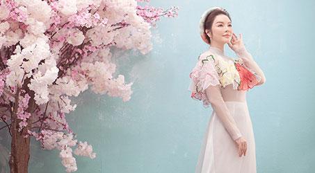 Lý Nhã Kỳ nền nã trong áo dài Thủy Nguyễn