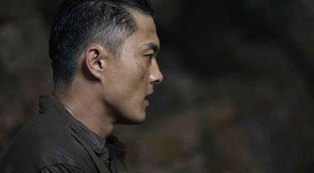 """Diễn viên TVB Dương Minh """"lỗi hẹn"""" trong buổi giao lưu với đoàn phim """"Bí mật đảo Linh xà"""""""
