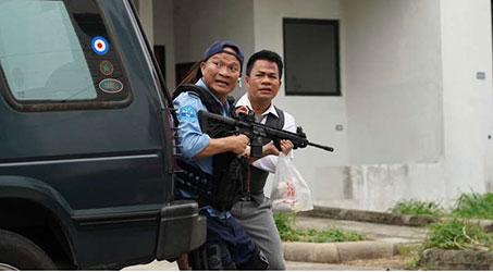 """""""Siêu vệ sĩ sợ vợ"""" – câu chuyện giải cứu tổng thống lầy lội và hài hước của điện ảnh Thái Lan"""
